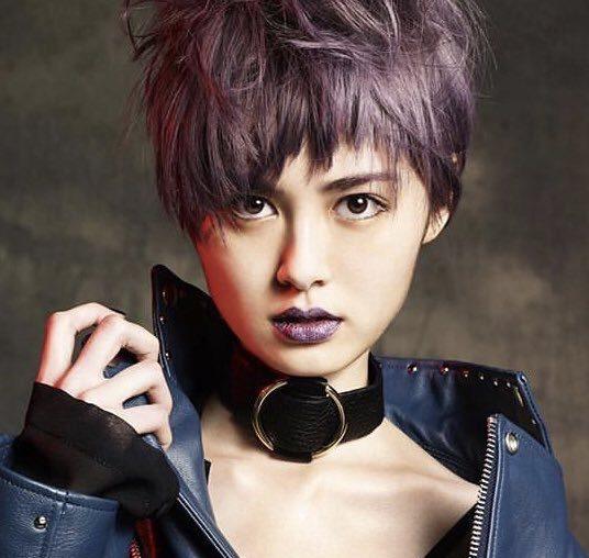 中島彩香(さやか)の髪型(紫のショートヘア)が可愛い!アンミカ、冨永愛も絶賛!プロフィールは?【パリコレ学】